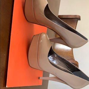 High heels nude